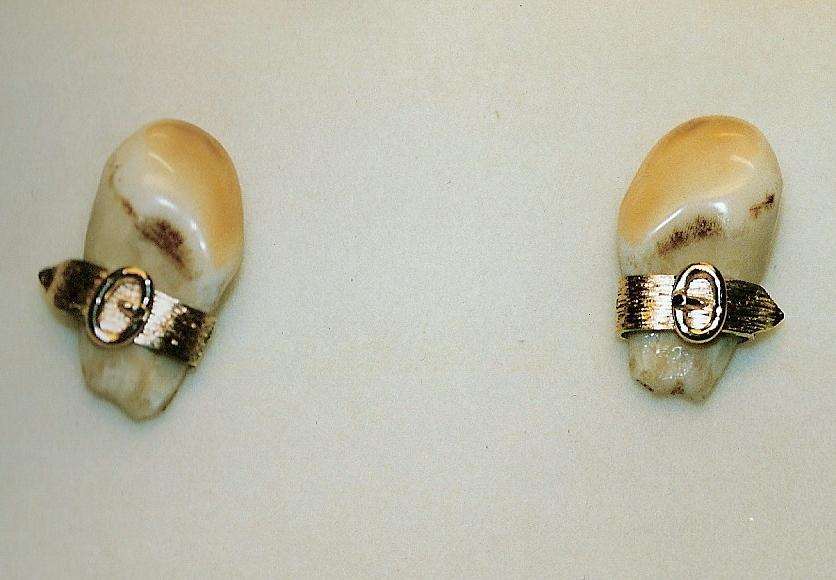 Boutons de manchette dents de cerf ceinturon