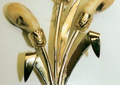 Broche roseau