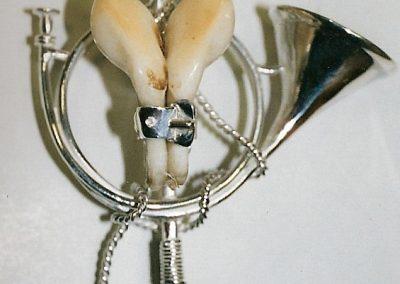 Broche trompe fouet long 2 dents de cerf