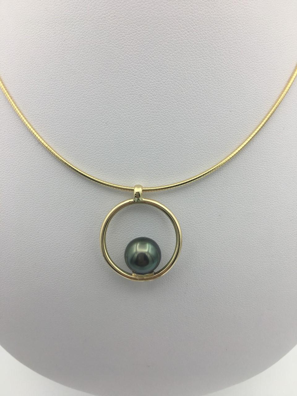 Collier or perle de tahiti