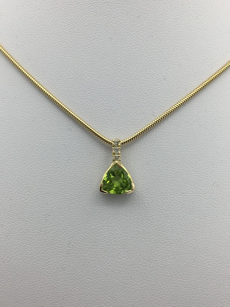 Collier or péridot et diamants