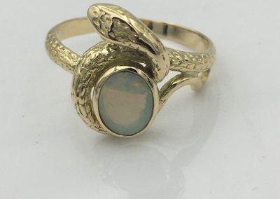 Bague or opale
